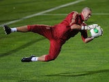 Spain goalkeeper Victor Valdes in training on November 13, 2013