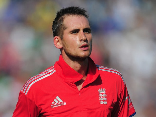 Hales eyes place in England Test side