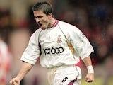 Benito Carbone in action for Bradford City on November 25, 2000.