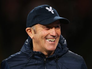 Pulis to pick strongest team against Liverpool