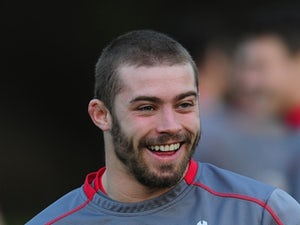 Halfpenny joins Scarlets on three-year deal