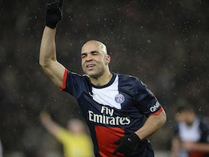 Alex targets new PSG contract