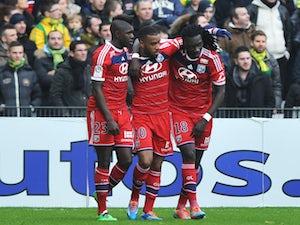 Samuel Umtiti commits future to Lyon