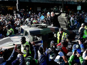 700,000 attend victory parade in Seattle