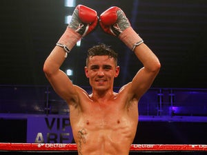 Crolla outpoints Burns in Manchester