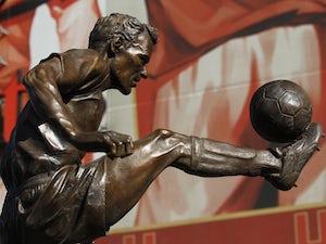 OTD: Arsenal sign Dennis Bergkamp