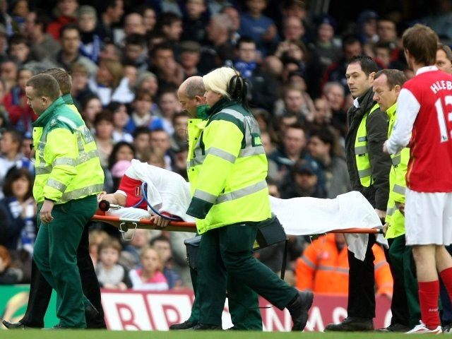 Arsenal's Eduardo da Silva receives treatment after breaking his leg on February 23, 2008.