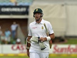 South Africa's captain Graeme Smith walks off after been dissmised for 9 runs during the second test match between South Africa and Australia at St George's Park, in Port Elizabeth on February 20, 2014