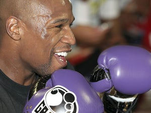 Mayweather: 'I know how to beat Maidana'