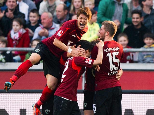 Result: Hannover fight back to beat Schalke 04