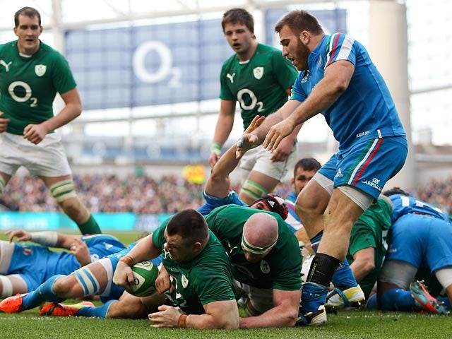 Ireland's Cian Healy scores a try against Italy during their Six Nations match on March 8, 2014