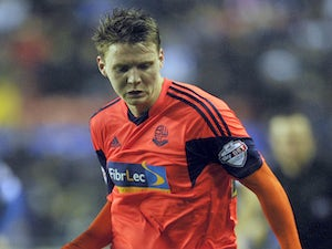 Bolton's Mason sidelined for two months