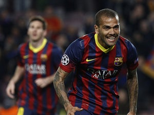 Fan arrested for throwing banana at Alves