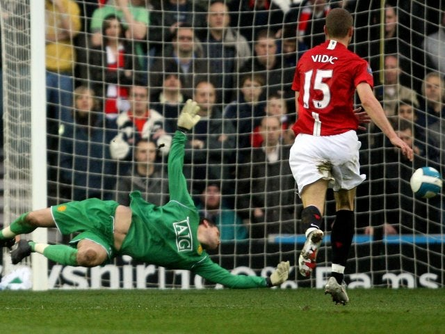 2edd1b5aa0aea Manchester United goalkeeper Ben Foster makes a save to deny Kenny Miller  on March 15,