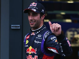 Ricciardo hoping Red Bull close on Mercedes