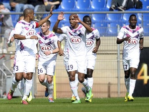 Montpellier share spoils with Bordeaux