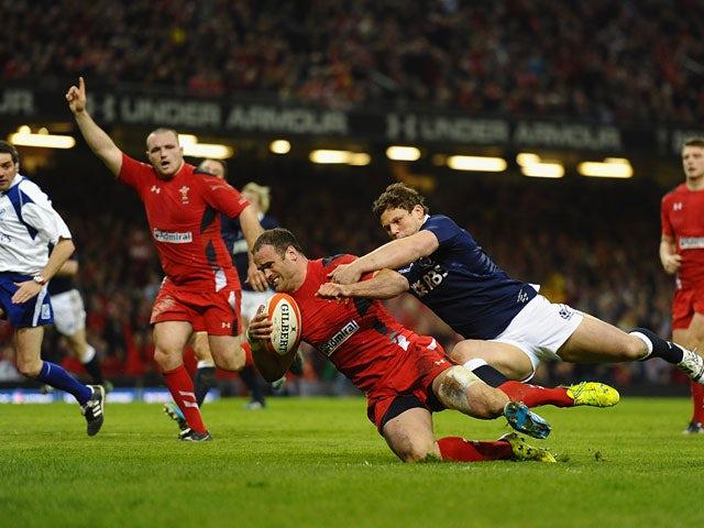 Result: Wales crush 14-man Scotland