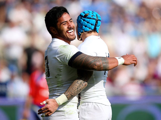 Result: England thrash Italy to keep title hopes alive