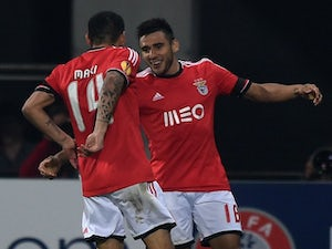 Salvio fires Benfica to victory