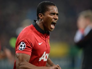 Valencia extends Manchester United contract