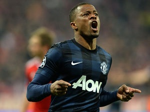 Evra offered three-year Man Utd contract?