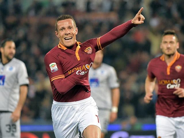 """Képtalálat a következőre: """"rodrigo taddei last goal for roma"""""""