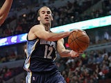 Nick Calathes #12 of the Memphis Grizzlies in action against Chicago Bulls on March 8, 2014