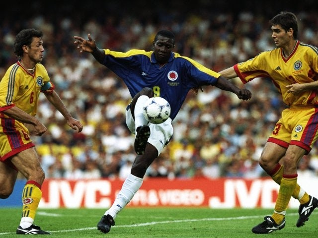 Colombia's Adolfo Valencia in action against Romania on June 15, 1998.