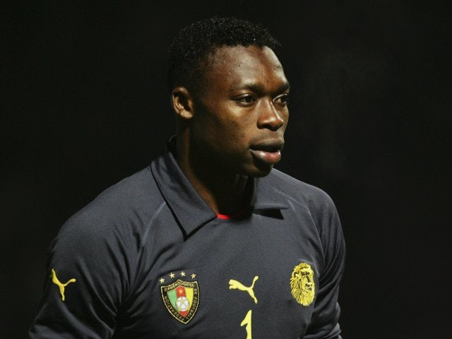 Carlos Kameni in action for Cameroon on February 09, 2005.