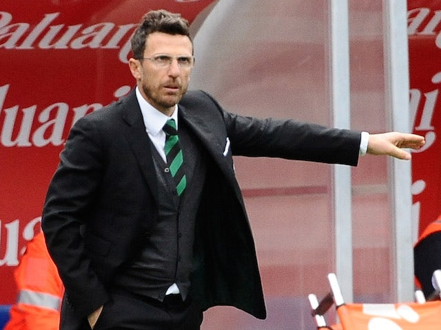 Eusebio Di Francesco head coach of US Sassuolo Calcio reacts during the Serie A match between AC Chievo Verona and US Sassuolo Calcio on April 19, 2014