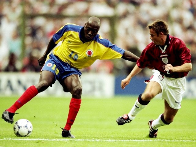 Colombia's Freddy Rincon turns England defender Graeme Le Saux on June 26, 1998.