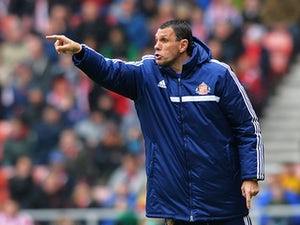 Poyet gives backing to Giggs