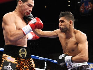 Khan eyeing Mayweather after Collazo