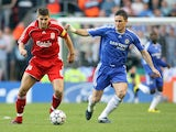 Liverpools Steven Gerrard (L) vies for the ball with Chelsea's Frank Lampard during their European Champions League semi final first leg football match on May 1, 2007