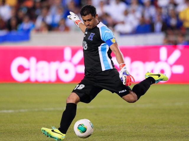 Goalkeeper Noel Valladares in action for Honduras against Ecuador on November 19, 2013.