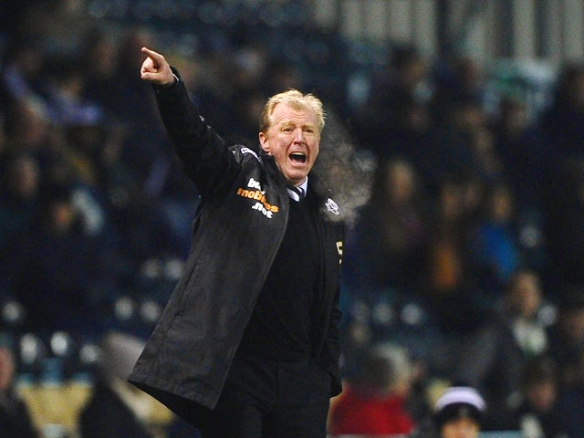 Steve McClaren of Derby County gives out instructions during the Sky Bet Championship match between Derby County and Queens Park Rangers on February 10, 2014