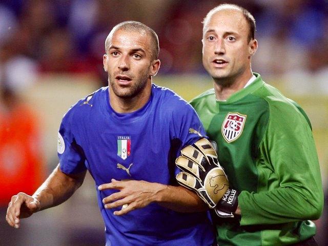 USA goalkeeper Kasey Keller battles for space with Italy striker Alessandro Del Piero on June 17, 2006.
