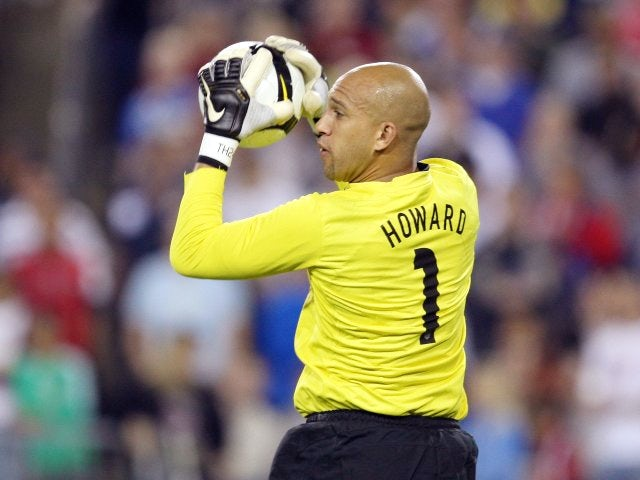 Everton goalkeeper Tim Howard throws out the ball while representing the USA on April 01, 2009.