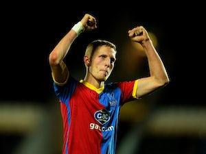 Bolton sign Dean Moxey