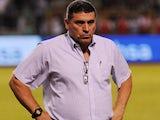 Honduras head coach Luis Fernando Suarez stands on the touchline on March 05, 2014.