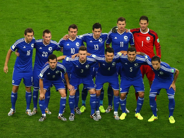 Bosnia and Herzegovina players pose for a team picture during the 2014 FIFA World Cup Brazil Group F match between Argentina and Bosnia-Herzegovina at Maracana on June 15, 2014