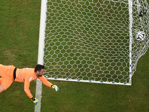Sirigu unsure if he will keep his place