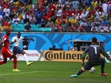 Blaise Matuidi of France shoots and scores France's second goal past goalkeeper Diego Benaglio of Switzerland on June 20, 2014