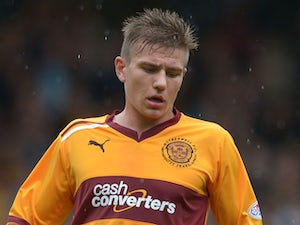 Fulham nab Hutchinson from Motherwell
