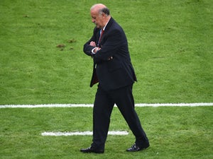 Del Bosque pays tribute to Spain players