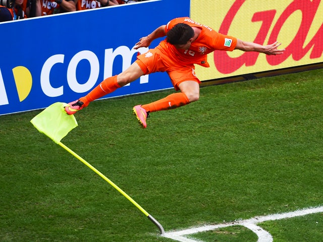 Result: Netherlands score twice late to beat Mexico