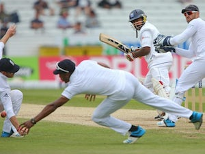 Result: England lose five wickets before close of play