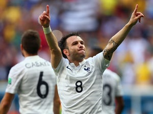 Report: Lyon agree Mathieu Valbuena deal