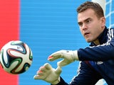 Russia's goalkeeper Igor Akinfeev takes part in a training session at the Maracana Stadium in Rio de Janeiro on June 21, 2014