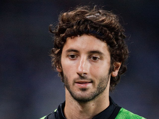 Esteban Granero of Real Sociedad trains up during the UEFA Champions League Play-offs second leg match between Real Sociedad and Olympique Lyonnais at Estadio Anoeta on August 28, 2013